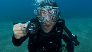 Diver completing Advanced Course with Pro Dive